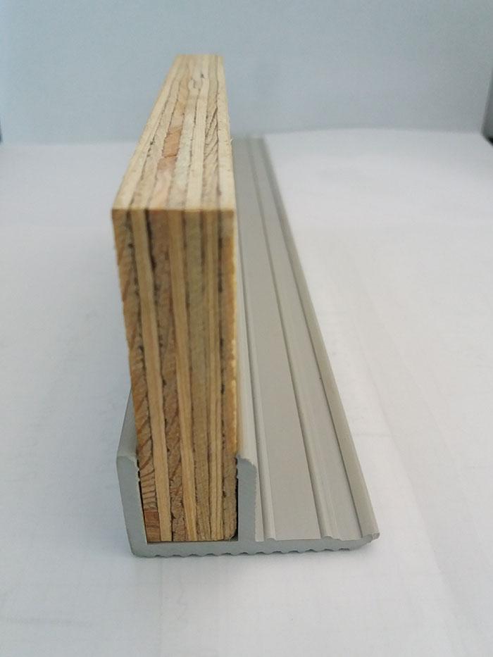 controtelaio legno pvc
